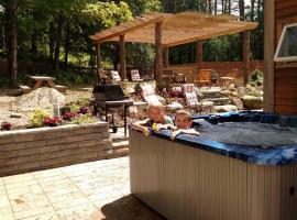 River Stone Cabin Vacation Home, Ripton