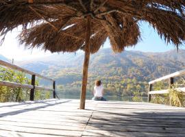 Herzegovina Lodges Boracko Jezero, Jezero