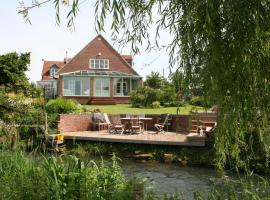 Bridge Cottage Bed and Breakfast, Peterborough
