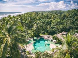 Clandestino Beach Resort, Parrita