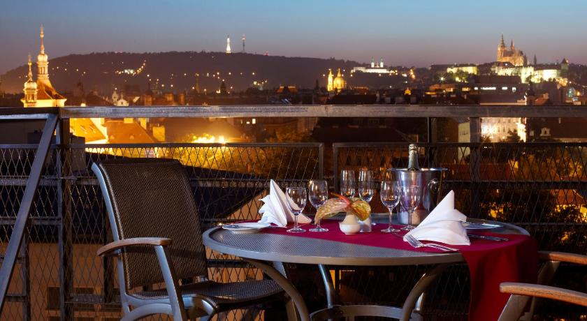 Hotel prague old town r publique tch que prague for Hotel reservation in prague