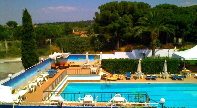 One park hotel ciampino italie for Reservation hotel italie