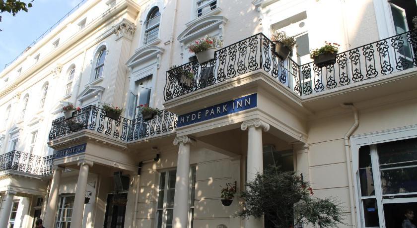 Smart hyde park inn hostel london uk for 48 queensborough terrace bayswater westminster london w2 3sj