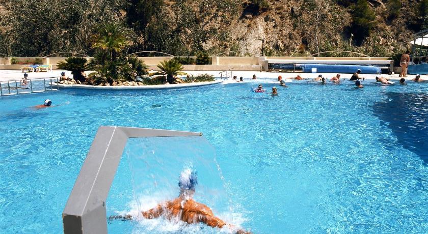 Resort balneario de archena con fotos for Piscina archena