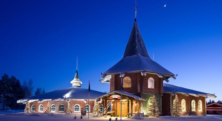 ★★★★ Santa Claus Holiday Village