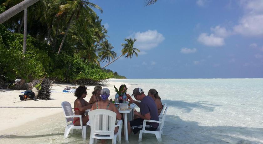 завтрак на пляже в мальдивах