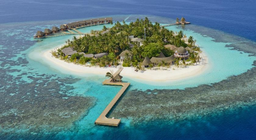 Небольшой остров Kandolhu Island