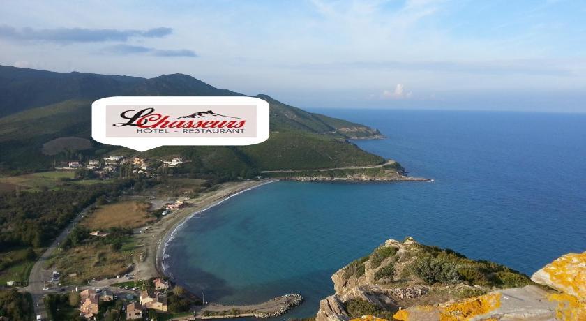 Hotel les chasseurs france marine de pietracorbara for Reserver sur booking