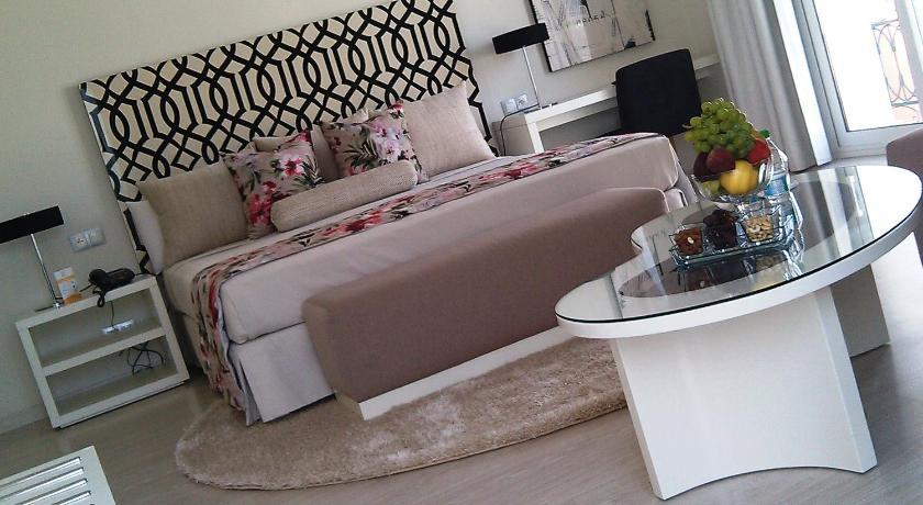 ★★★ Hotel Al Mandari