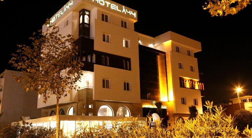 ★★★ Hotel A44