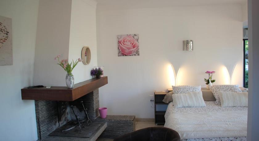 Chambre du0026#39;hu00f4tes Les Jasmins 3 u00e9toiles