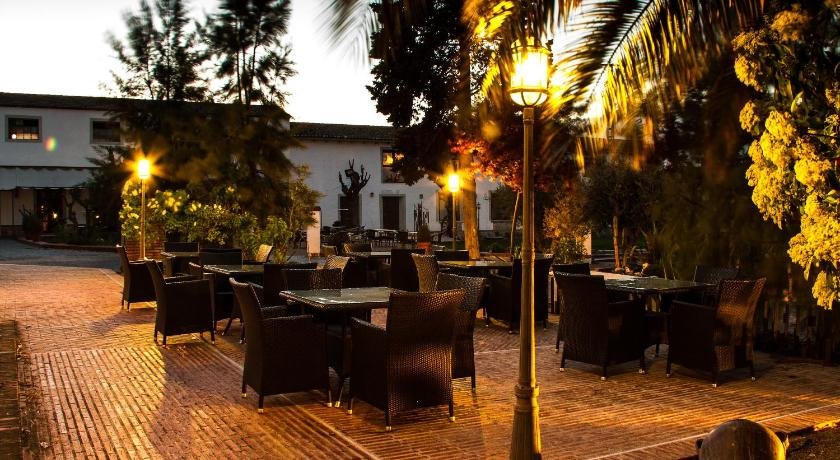 boutique hotels in torrijos  22