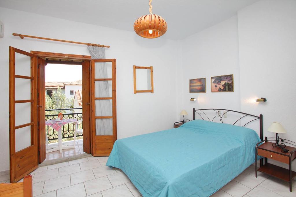 Apartment Stafylos Studios, Skopelos Town, Greece - Booking.com