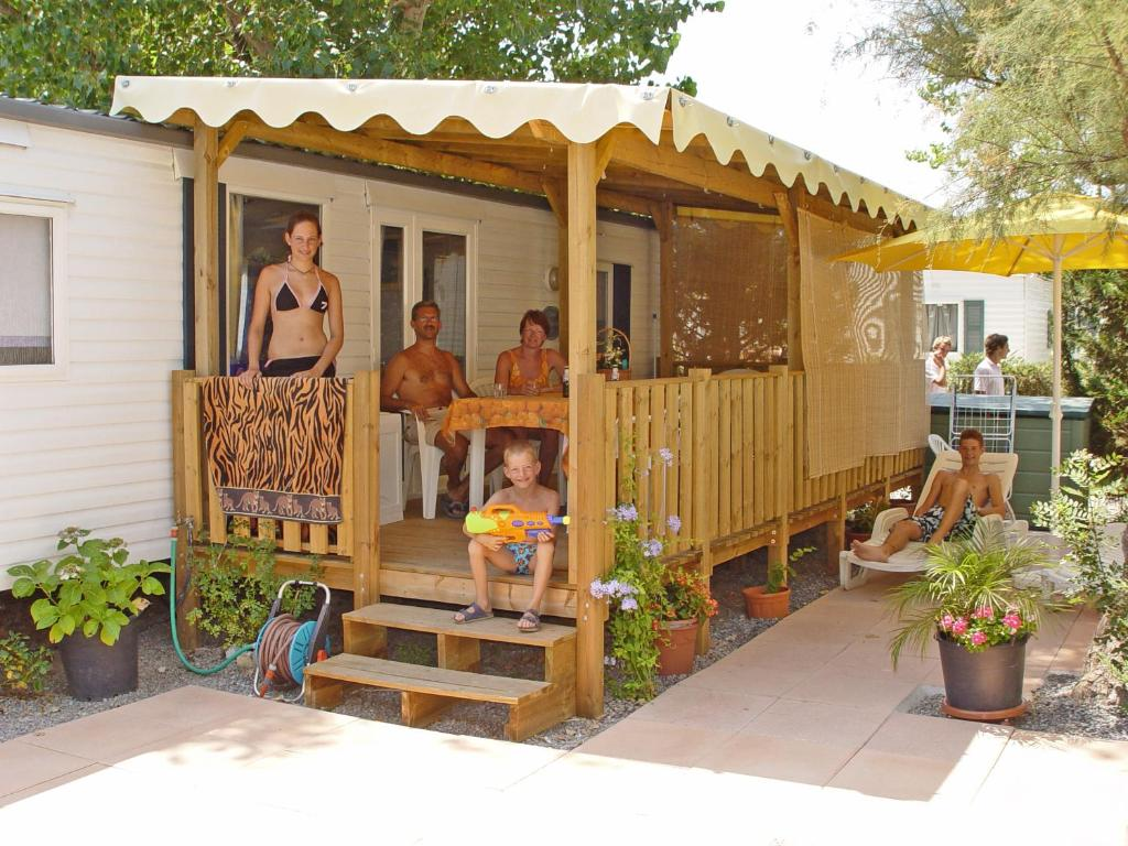Mobilheim Kaufen Port Grimaud : Campingplatz saint tropez mobilheim frankreich grimaud booking
