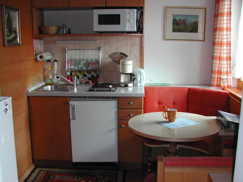 Kleine Essecke Fur Kuche Ikea Kuche Foto Spritzschutz Glas