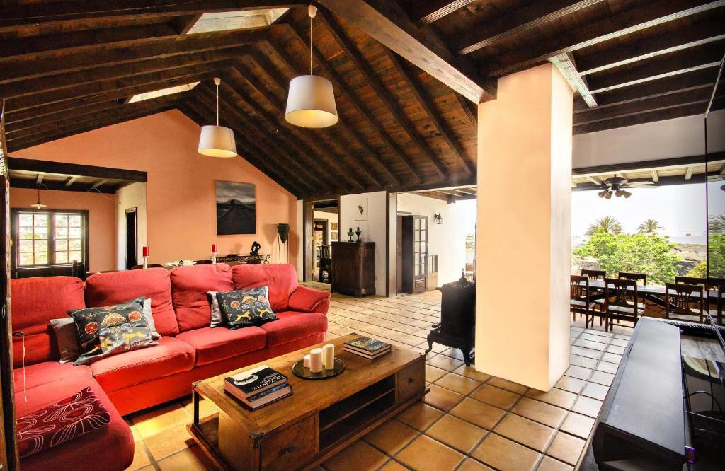 La casa del volcan tahiche precios actualizados 2018 - La casa del volcan ...