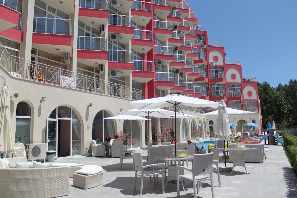 Апартхотел Хотел Роуз Гардън Омакс Апартаменти - Слънчев бряг
