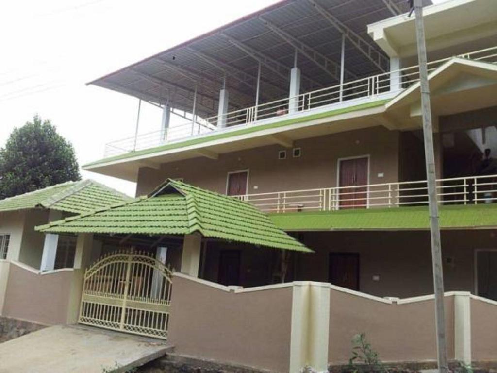 Hotel Seven Hills Home Stay Kurchi India Bookingcom