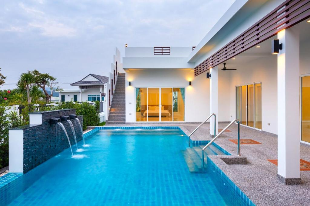 The swimming pool at or near Sivana Gardens Pool Villa