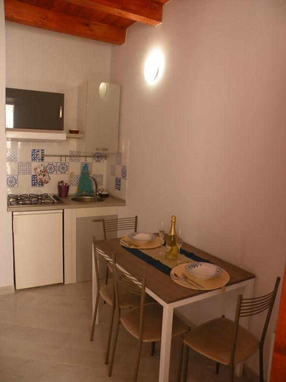 Al Blu Ortigia Apartments, Syracuse, Italy - Booking.com