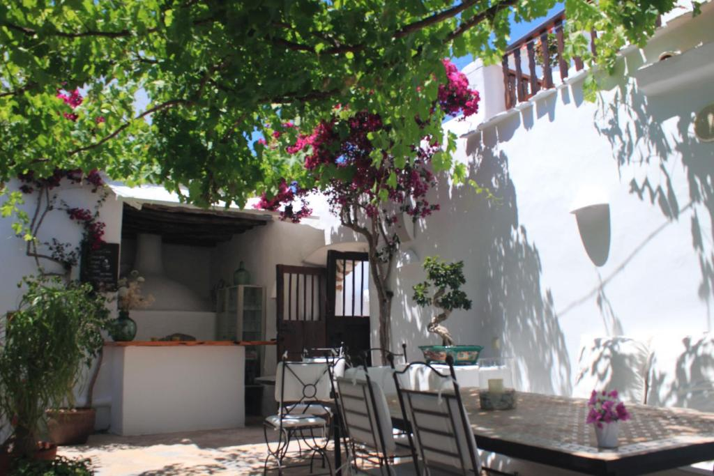 boutique hotels in sant miquel de balansat  28