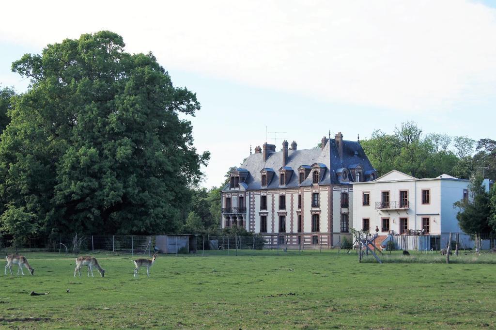Résidence La Cour du Chateau, Émancé, France - Booking.com