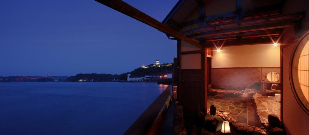 ポイント2.お風呂でも海の眺めが楽しめる!しおさい館 渚亭