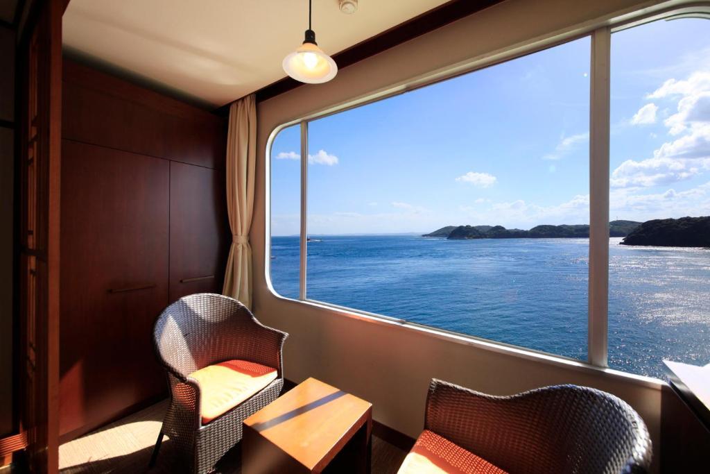 ポイント2.一面に広がる海の景色!全室オーシャンビューの客室