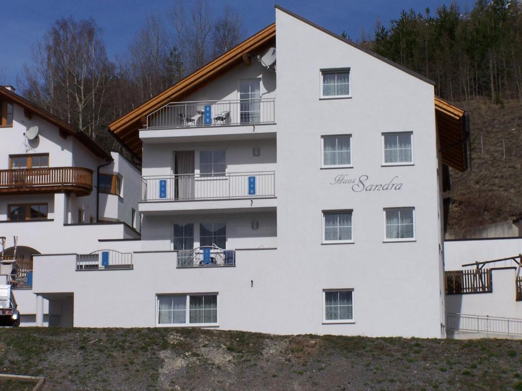 Apartment haus sandra fiss austria for Apartment haus