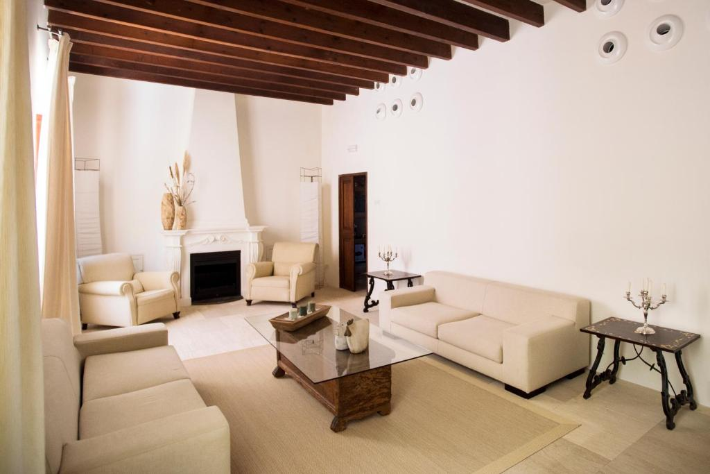 Hotel Ca'n Bonico 8