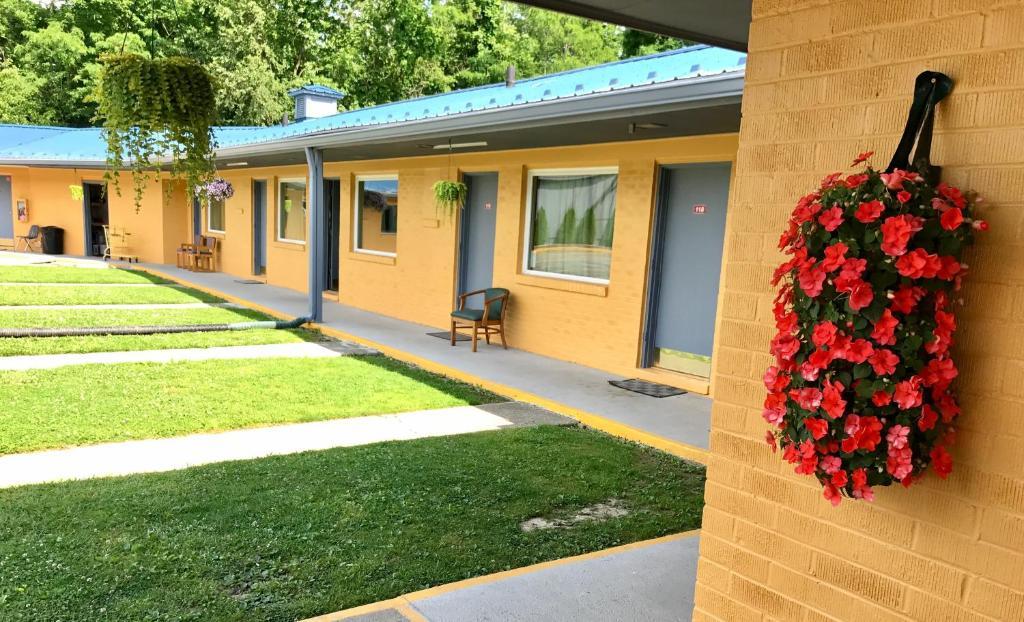 Greystone Motel Hillsboro Usa Deals