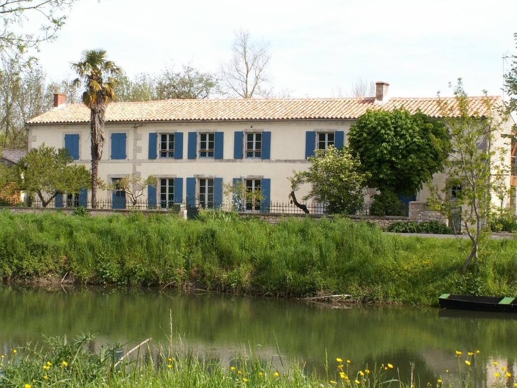 Bed And Breakfast La Balangere Coulon France Booking Com