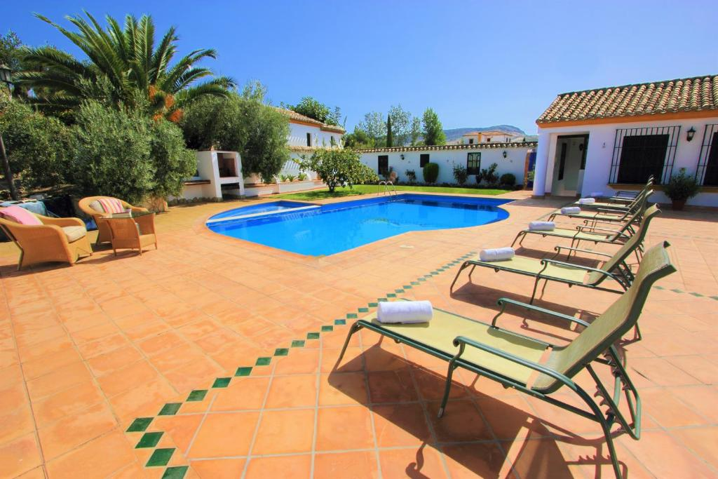 The swimming pool at or near Villa 'Los Balcones'