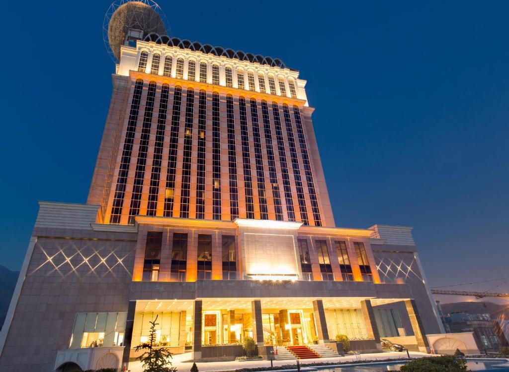 Hotel espinas palace tehran iran for Hotel palace