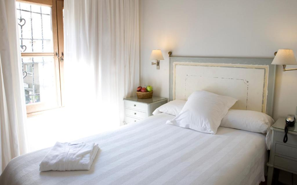 boutique hotels in granada  41