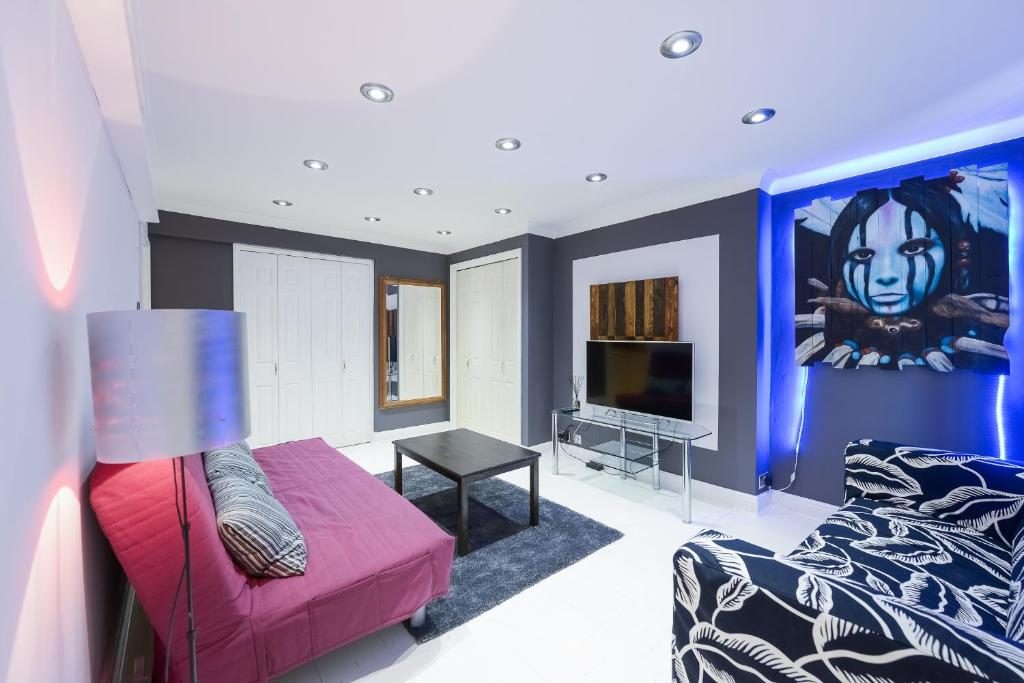 Stunning 1 bedroom flat notting hill queensway bayswater gallery image of this property reheart Images