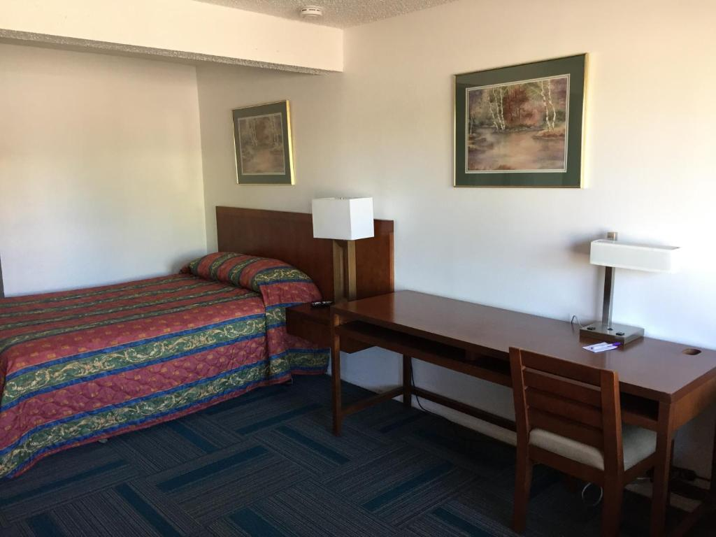 Knights Inn Grand Junction Co Booking Com