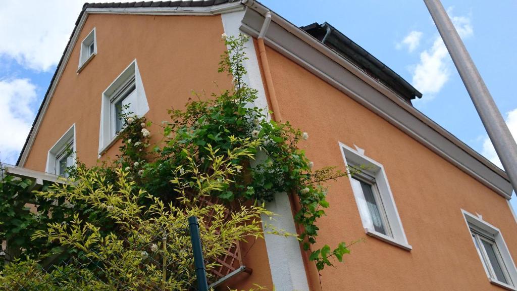 Ferienhaus Toscana im Taunus (Deutschland Weinbach) - Booking.com