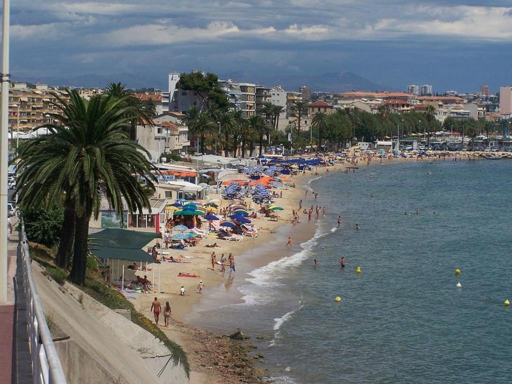 Hotel De France Cannes Booking Com
