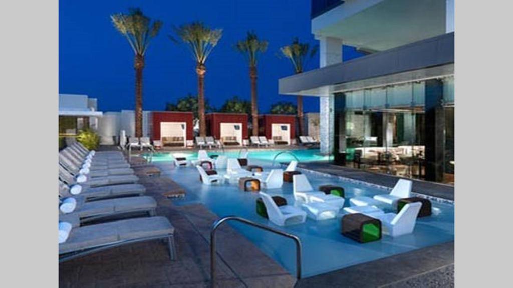 Beautiful High Rise Condo With Strip Views 23rd Floor Las