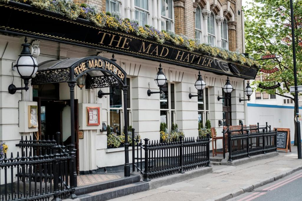 Mad hatter hotel london