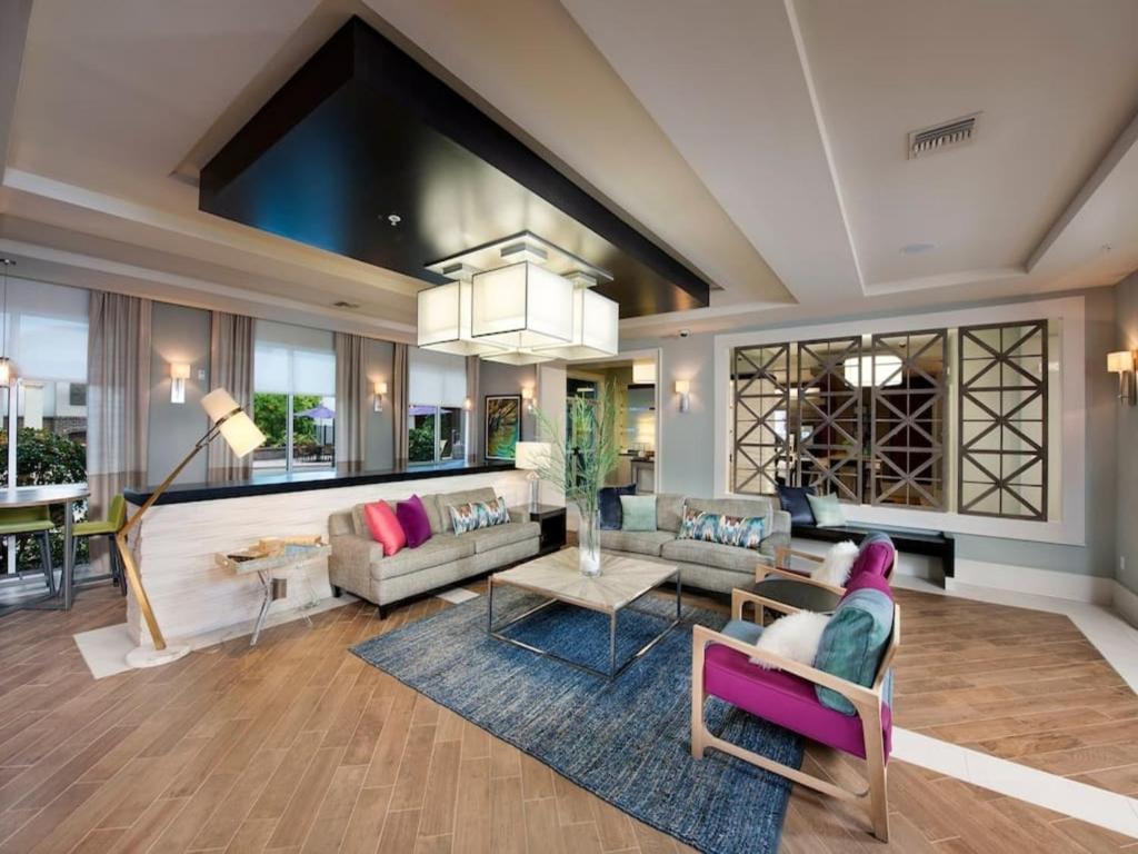 94 living room furniture orlando natuzzi editions for Living room 94