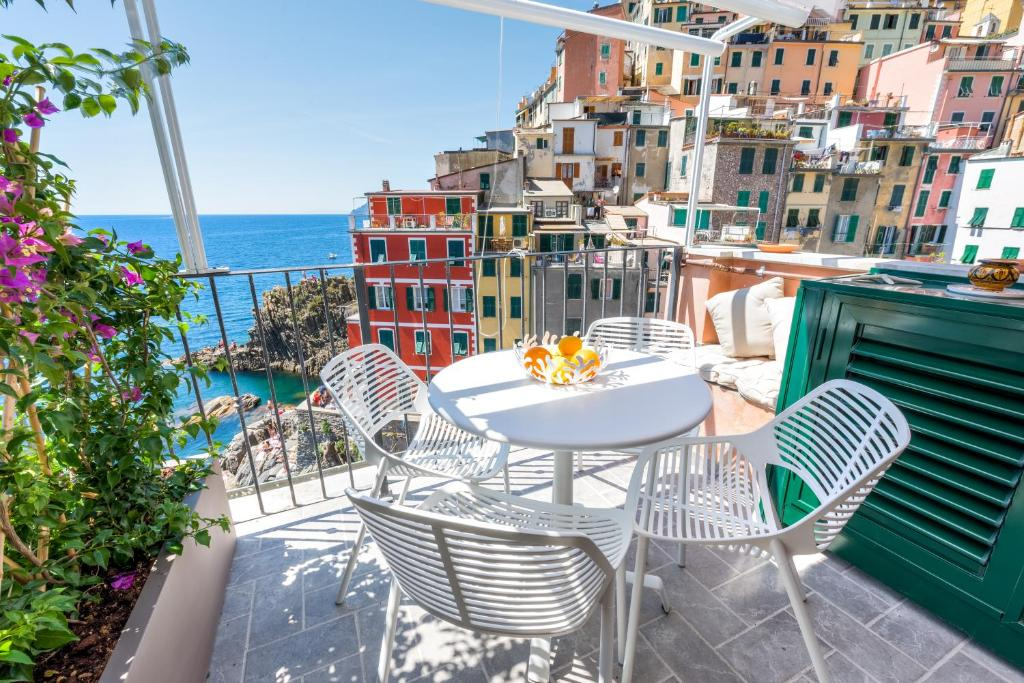 Apartment the first riomaggiore 5 terre italy for Hotels 5 terres