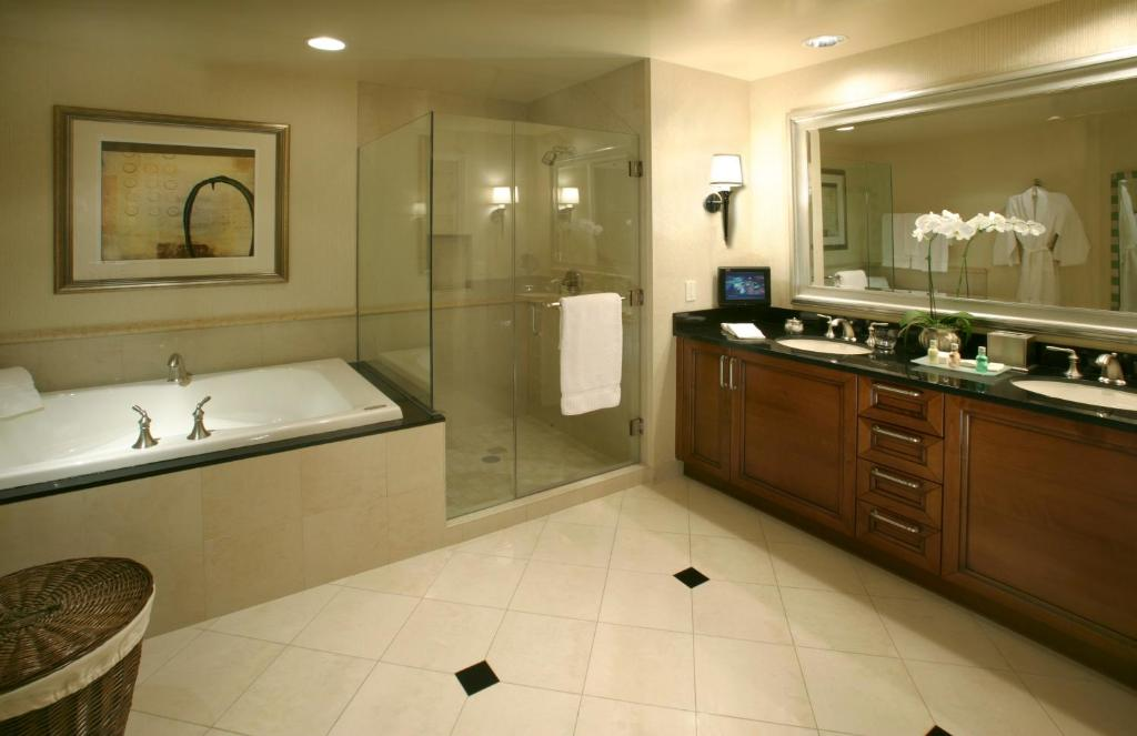 mgm signature one bedroom balcony suite.  Aparthotel The Signature at MGM Las Vegas USA Booking com