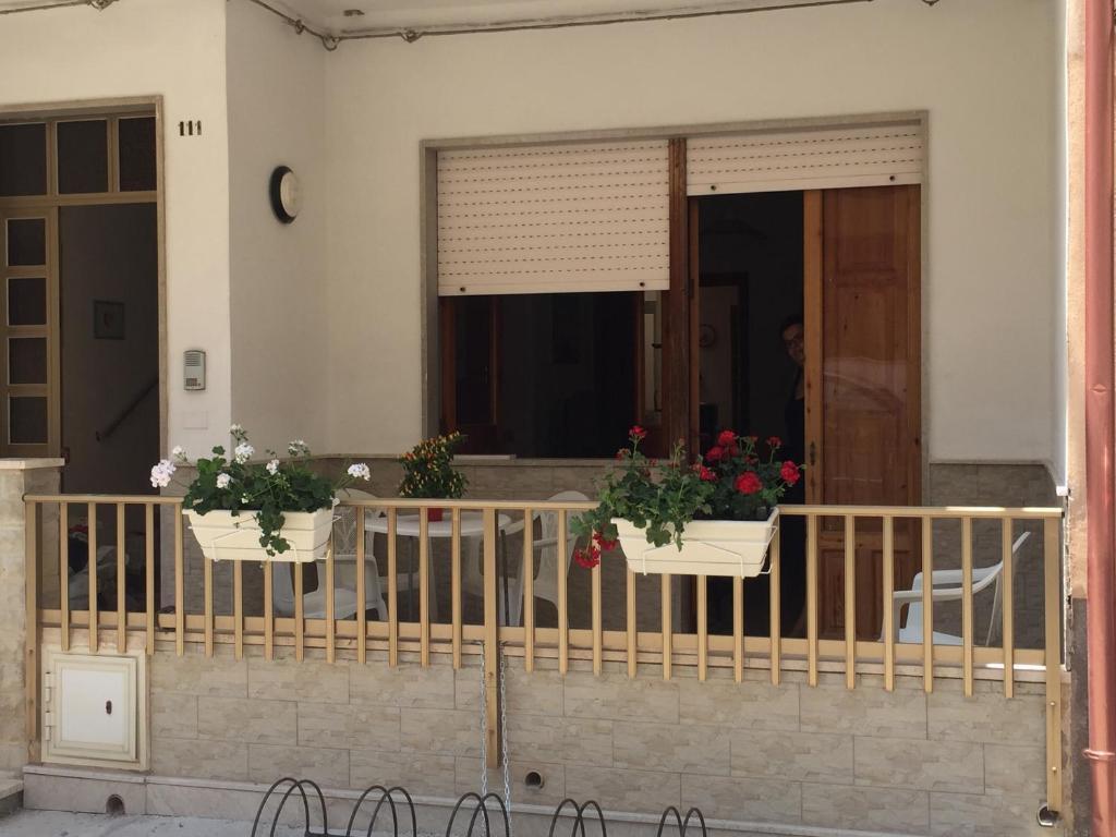 Ufficio Postale Donnalucata : Casa dei melograni a donnalucata