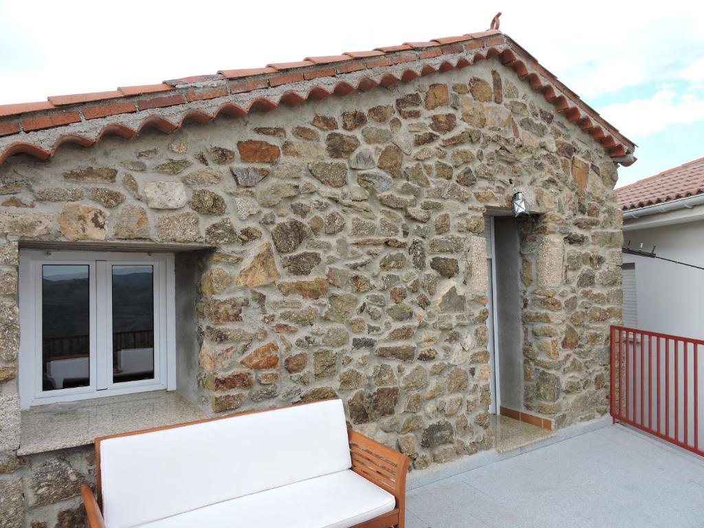 Country House Casa Sierra de Gredos, Navasequilla, Spain ...