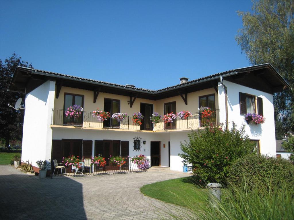 Bed & Breakfast Haus Falle (Österreich Schiefling am See) - Booking.com