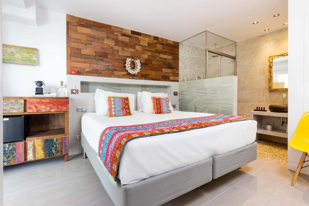 boutique hotels in santa eularia des riu  31