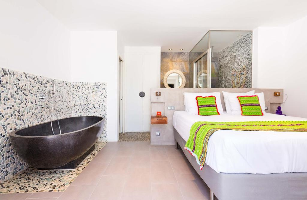 boutique hotels in santa eularia des riu  21