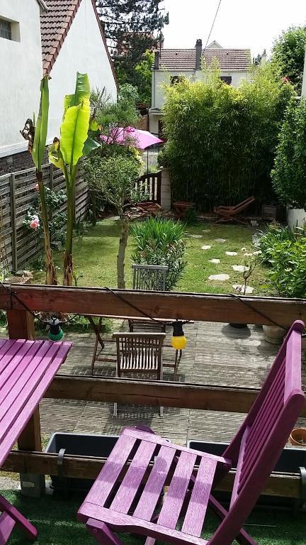 Apartment maison avec jardin paris enghien soisy sous for Restaurant avec jardin paris